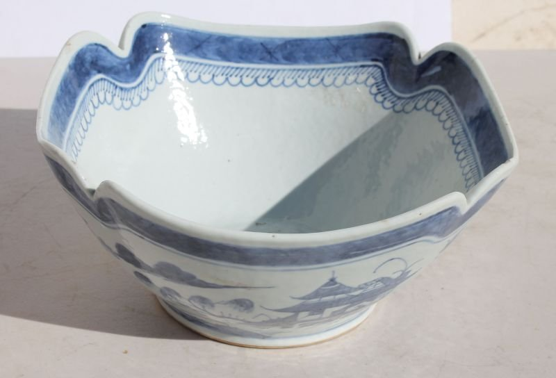 ca 1890 Chinese Canton large apple bowl marked China on