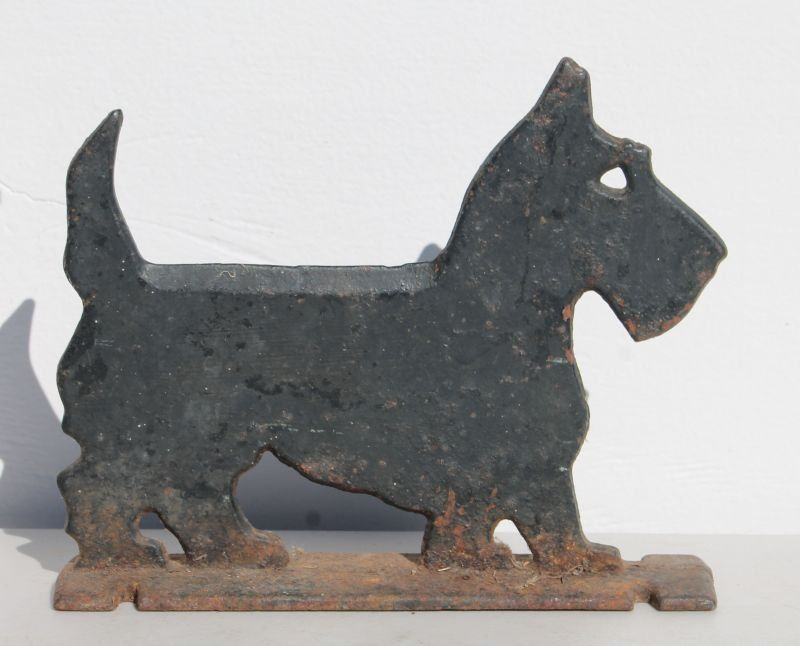 ca 1900-1920 cast iron silhouette form graphic Scotty