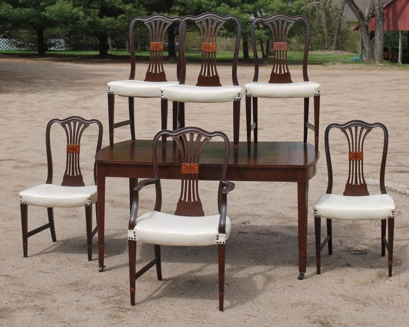 8 pc mahog inlaid dining rm set featuring sideboard,