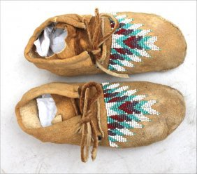 Pr Of Native American Beaded Moccasins (child Size - 7""