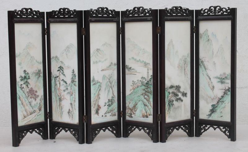 Chinese Rosewood carved 6 panel table top screen w hand