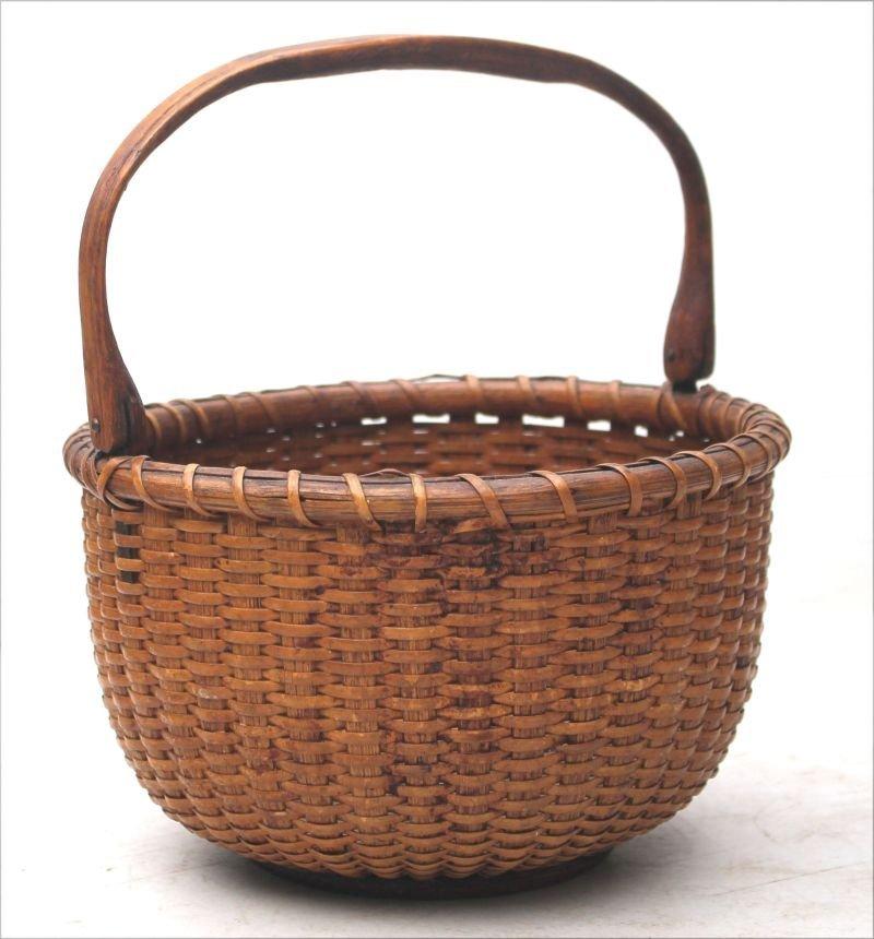 late 19thC Nantucket basket in orig dry crusty varnish