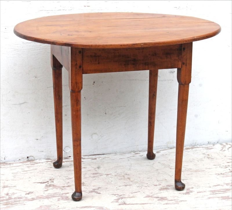 Ca 1740 period QA RI maple oval top tea table in all