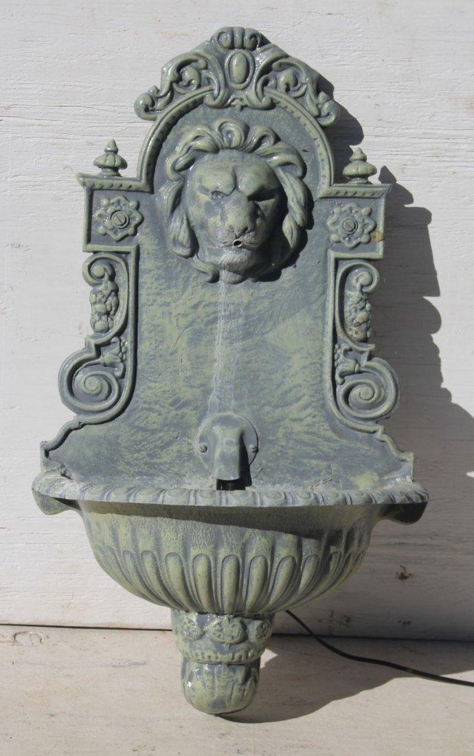 Fine form cast zinc or aluminum lavabo/fountain w lion