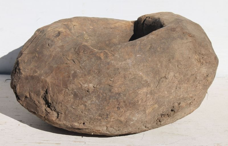 ca very early ca 1600 huge Native American ovoid shaped