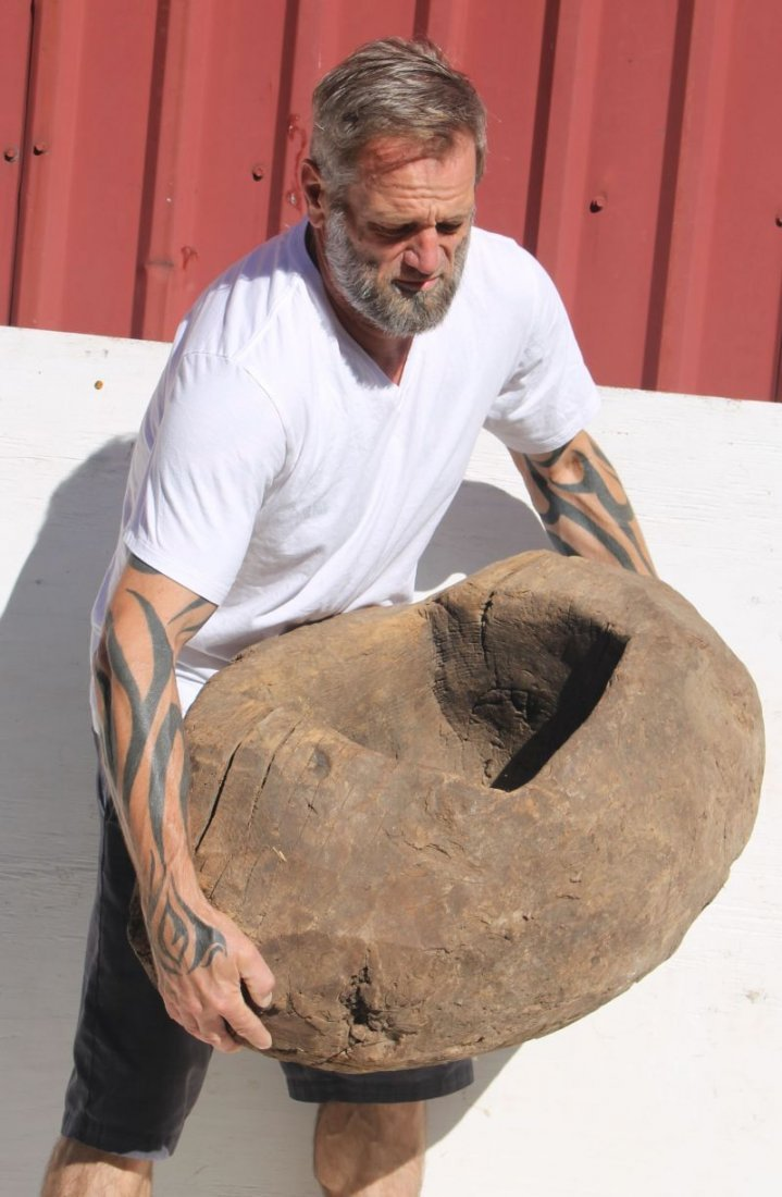 ca very early ca 1600 huge Native American ovoid shaped - 5