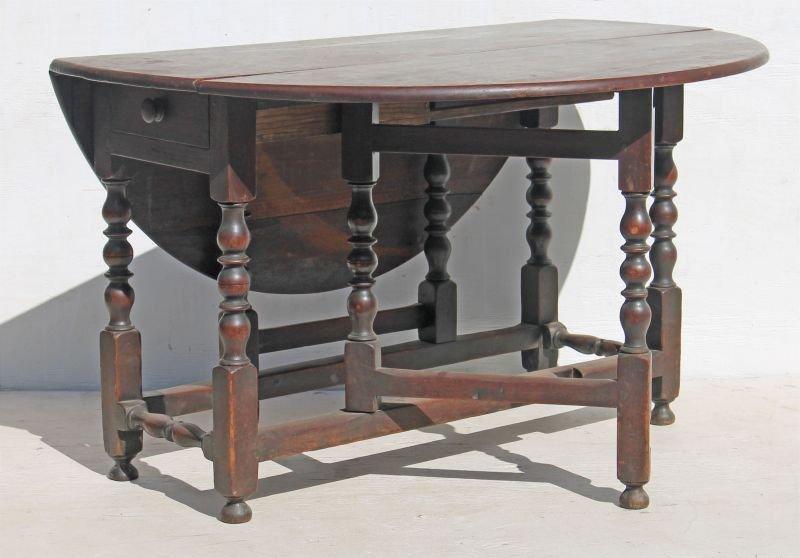 ca 1750 PA walnut gateleg table w bold turnings & orig
