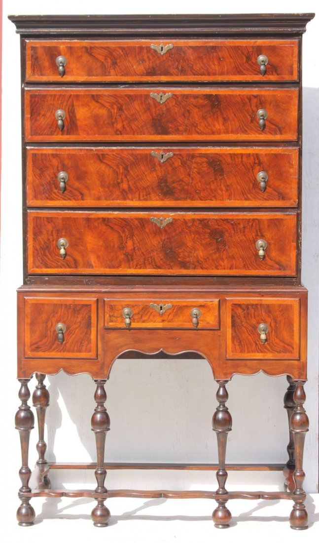 Period Wm & Mary ca 1720-1740 walnut veneer New England