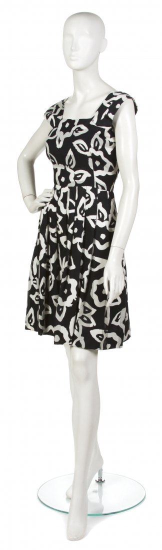 16: 16: A Pauline Trigere Black and White Cotton Dress,