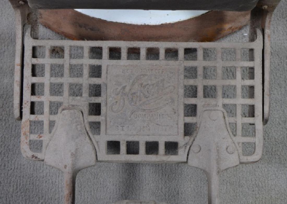 White Enamel Ceramic Barber Chair - 4