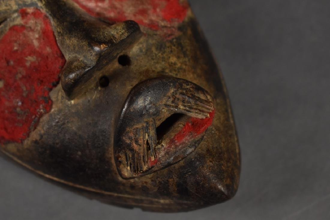 Dan Mask with Red Cloth Details - 4