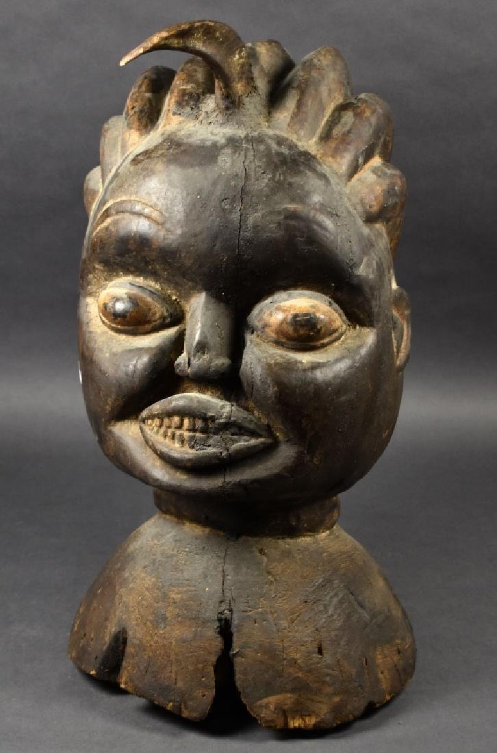 Large Mask / Figure