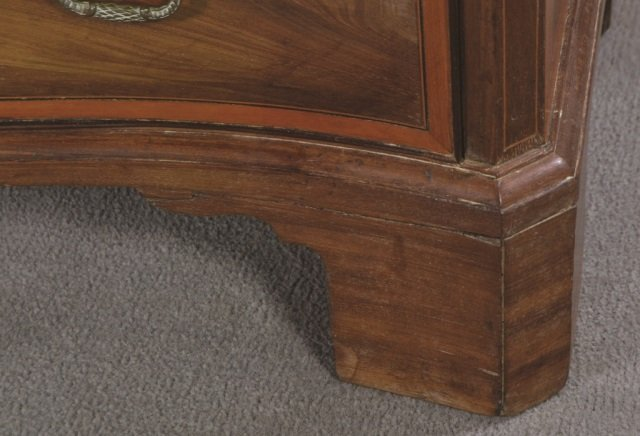 English Mahogany Serpentine Front Chest - 6