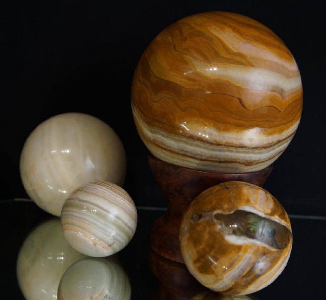 Large Stone spheres - Agate