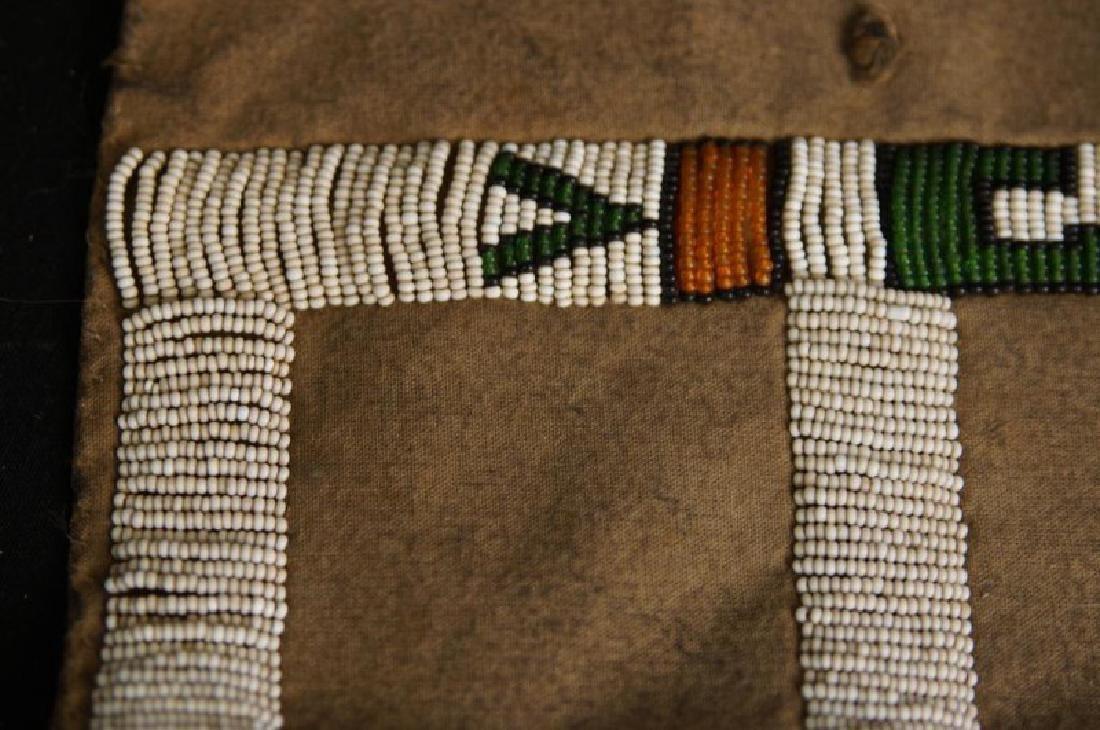 Beaded Native American tobacco bag - 3