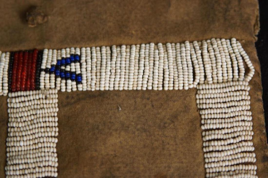 Beaded Native American tobacco bag - 5