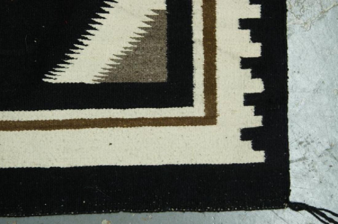 Navajo rug - Two Grey Hills - 3
