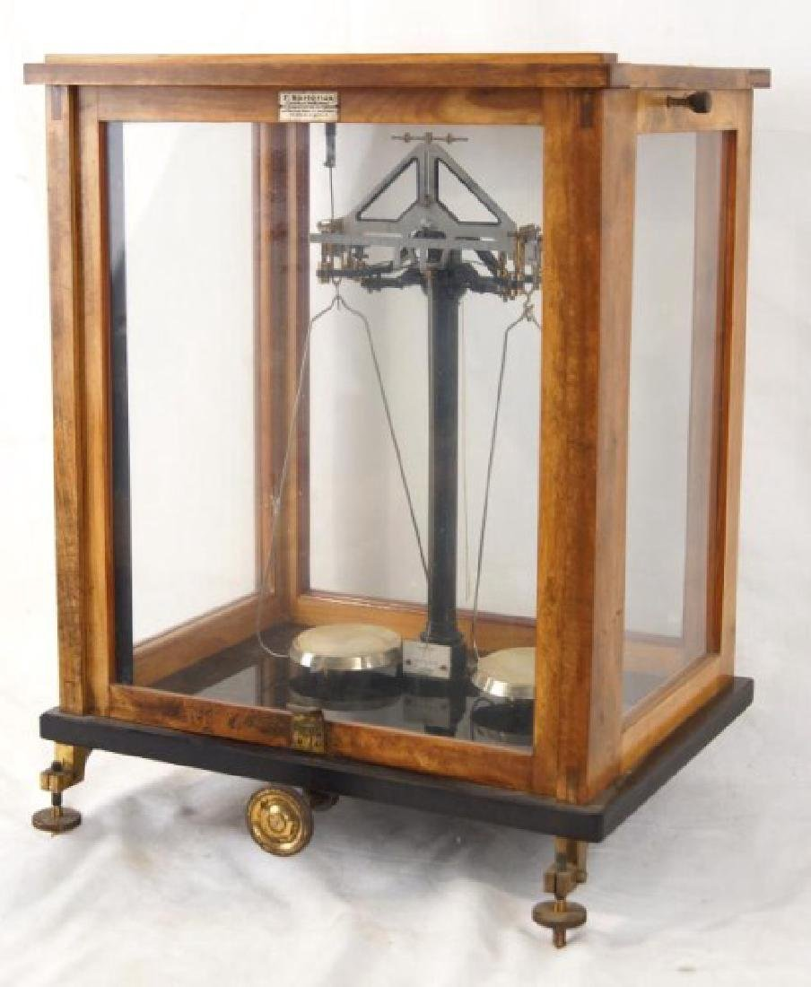 Antique Apothecary scale - 2