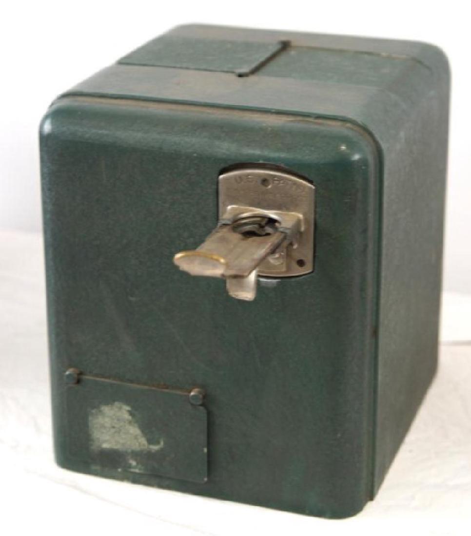 Coin op gum dispenser - vintage