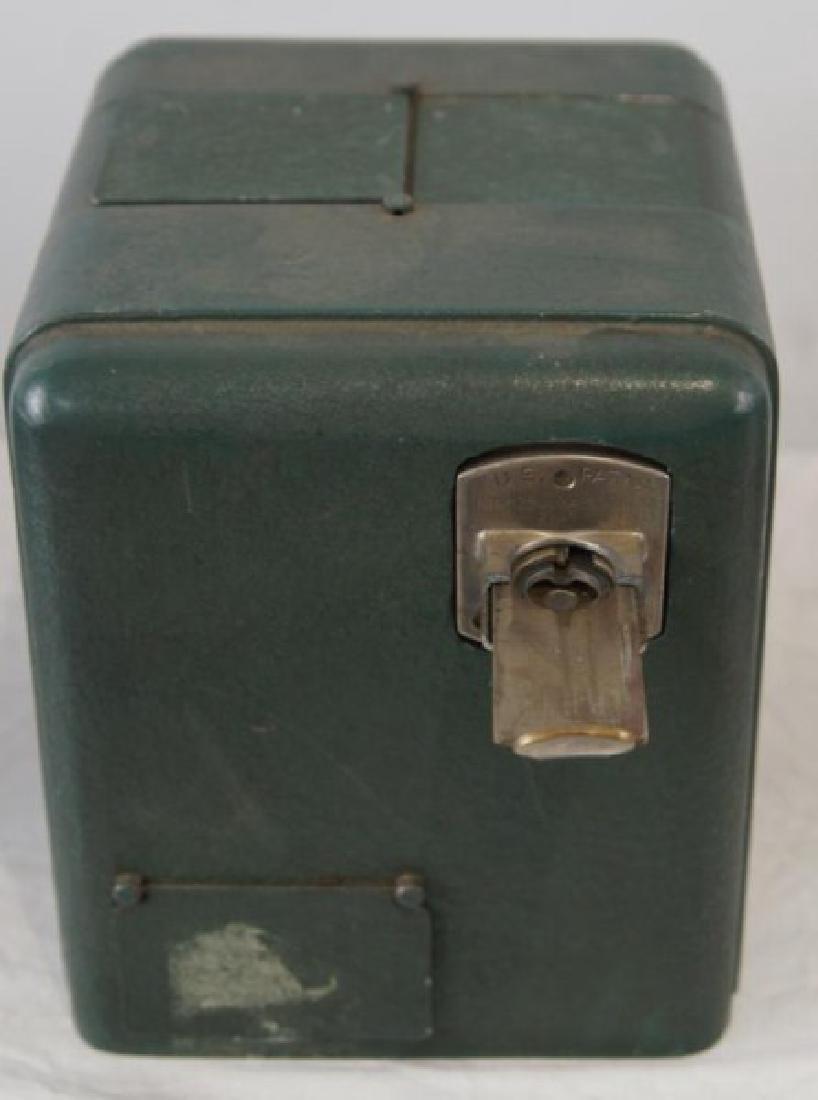 Coin op gum dispenser - vintage - 2