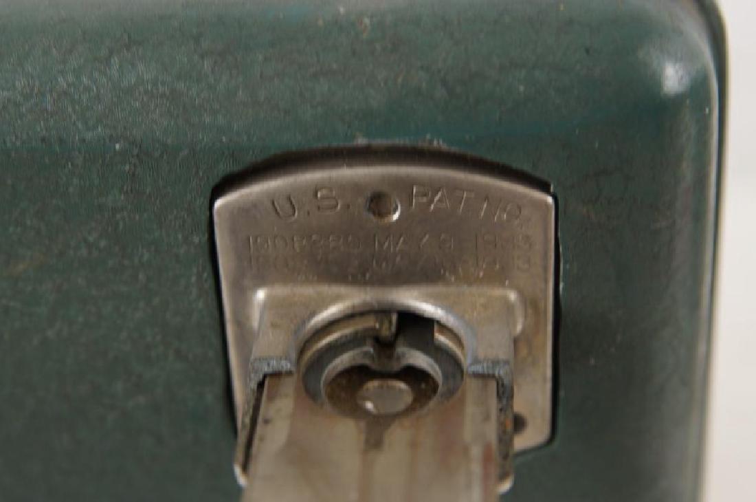 Coin op gum dispenser - vintage - 3
