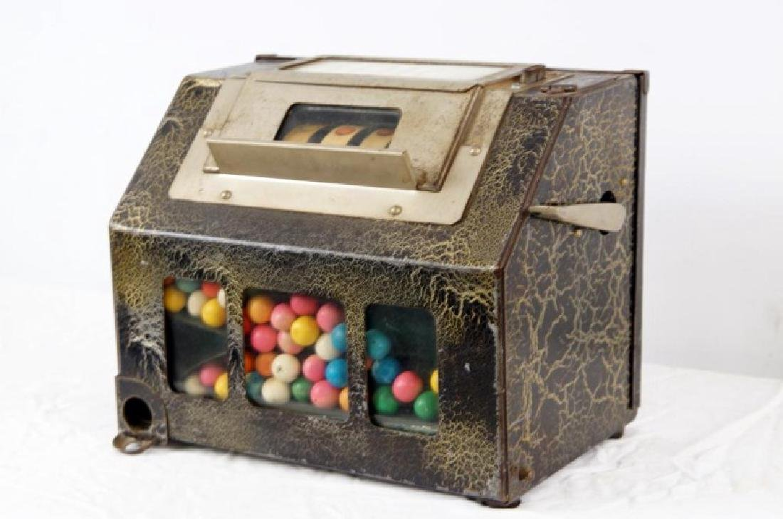 The Lark Coin-operated gum vending machine - 2