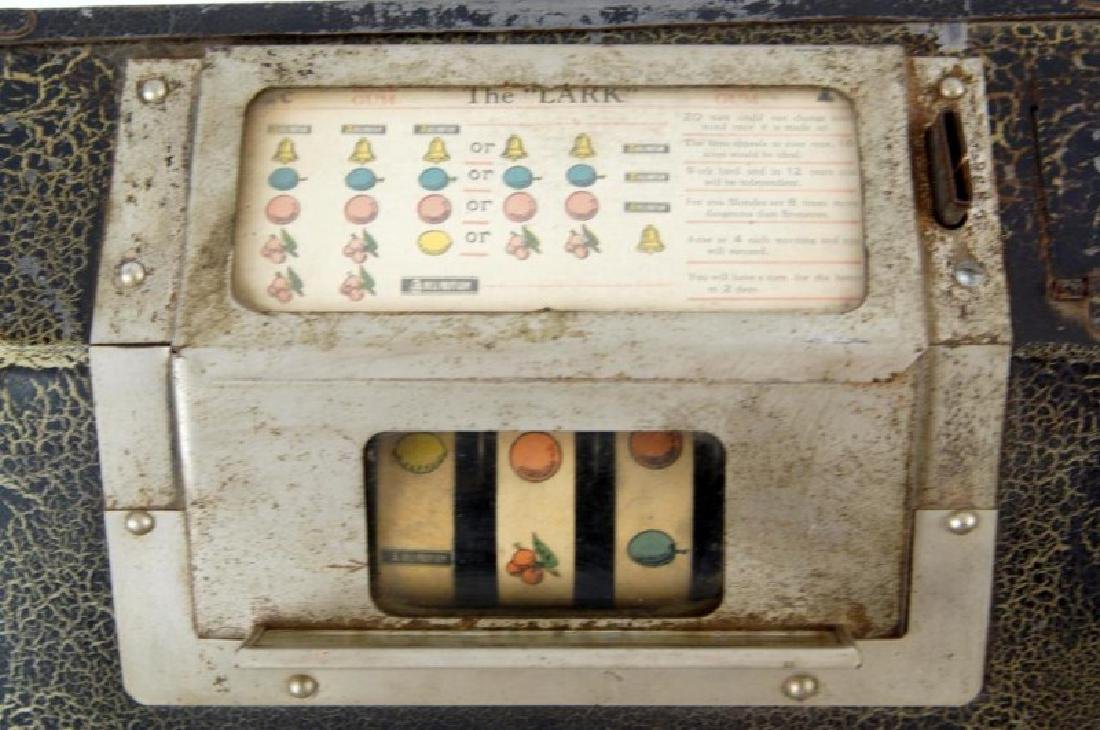 The Lark Coin-operated gum vending machine - 4
