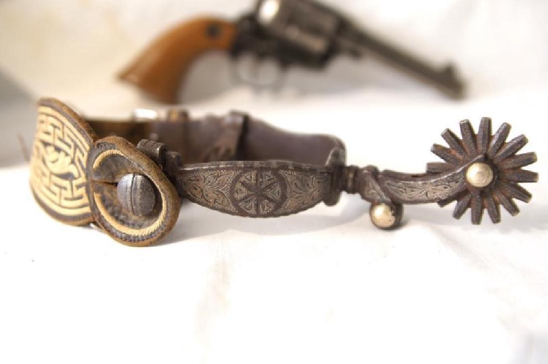 Western Gun Belt, Spurs and Replica Colt Lightning - 9