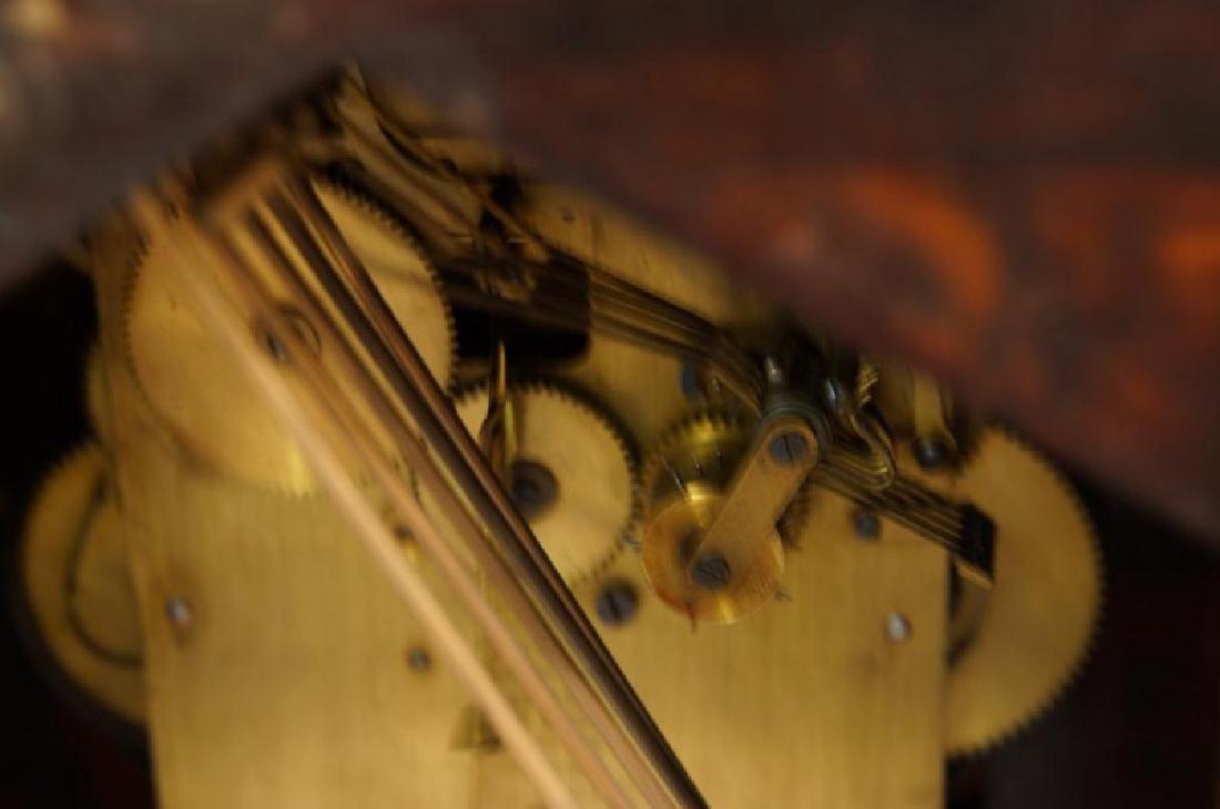 Waterbury Mantle clock with Westminster Chime - 11
