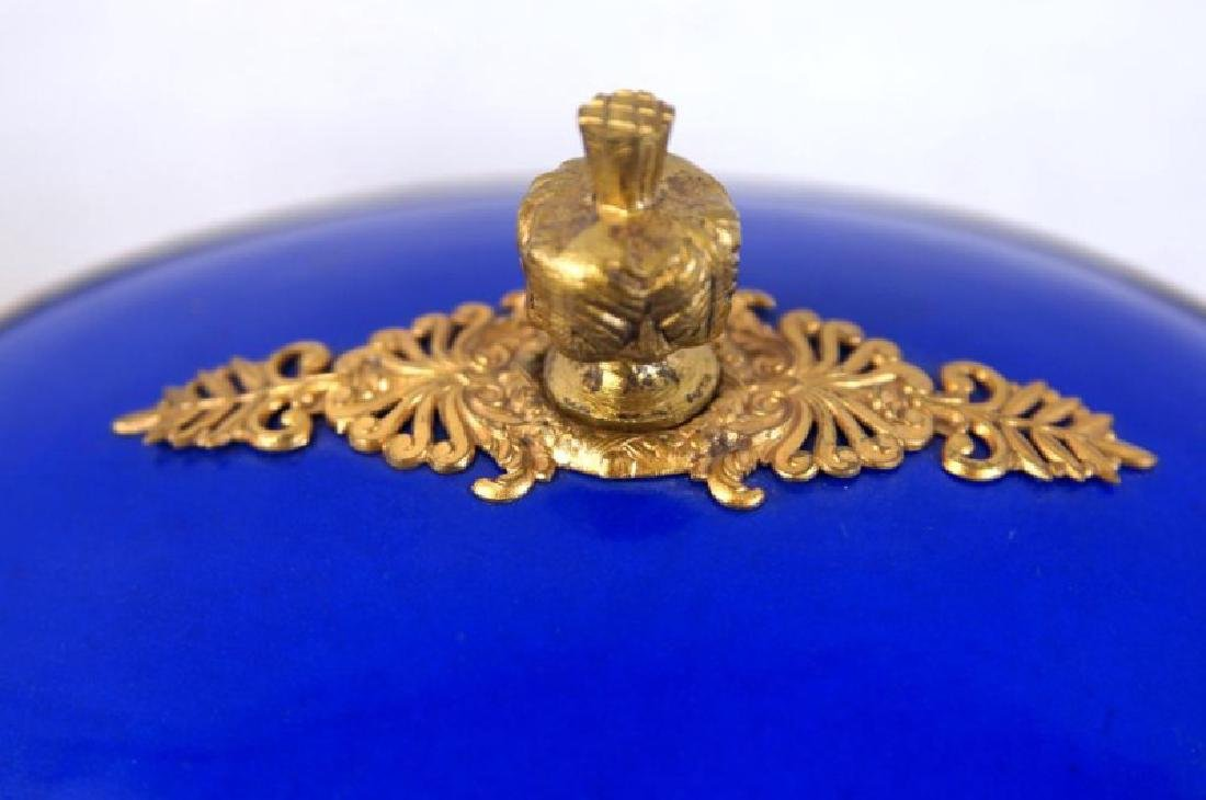 French Cobalt Porcelain & Bronze jewelry box - 3