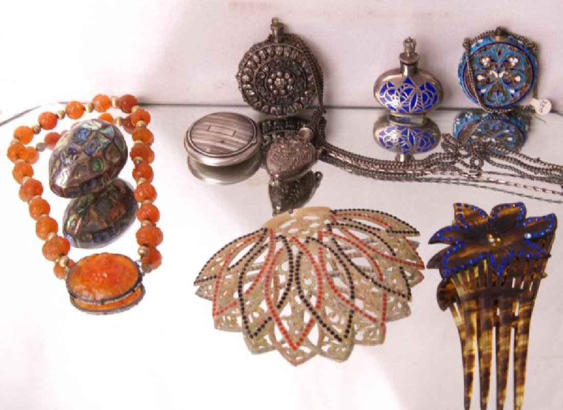 Filigree pendant snuffs, carved beaded necklace