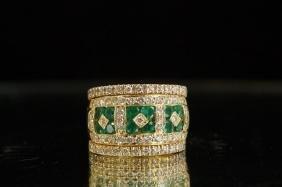 18 Kt Gold Emerald & Diamond ring