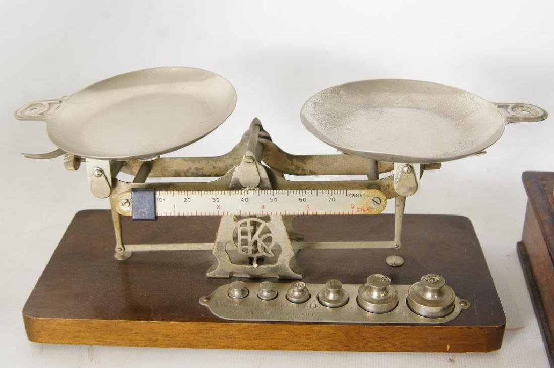 Three small Antique scales - 2
