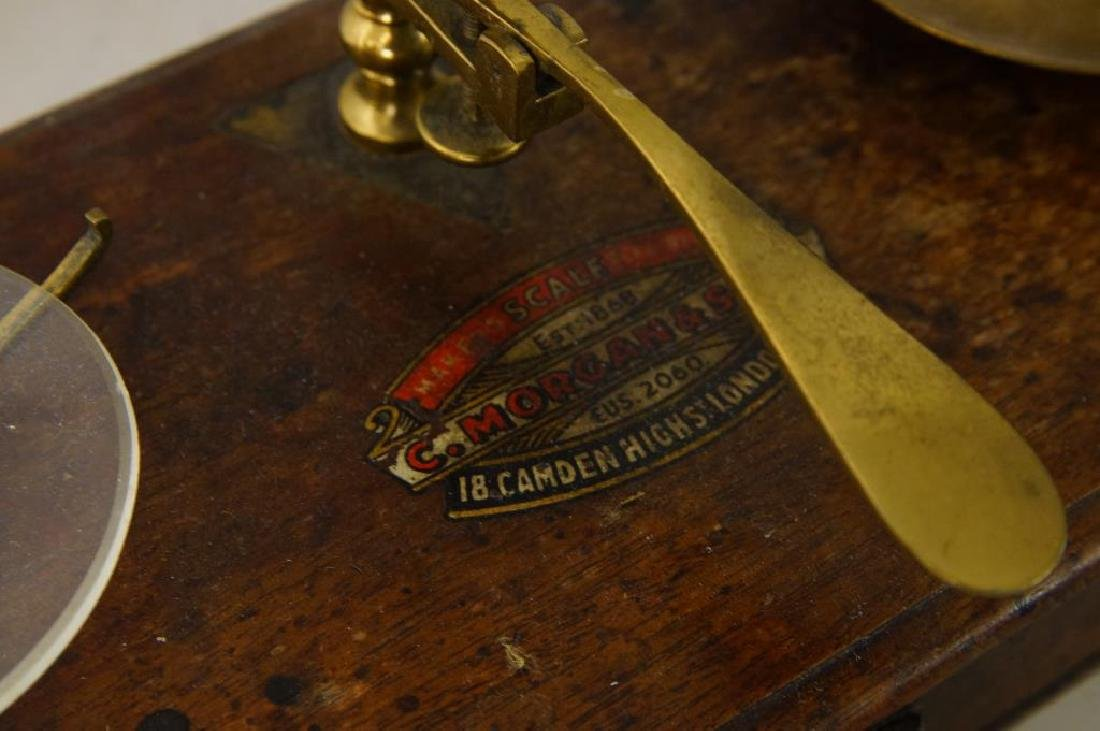 Three small Antique scales - 5