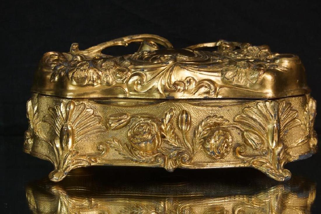 Nouveau Bronze jewelry casket - 2