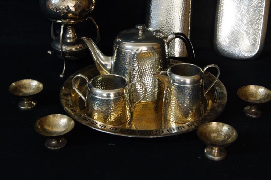 Hammered English pewter tea set and flasks - 3