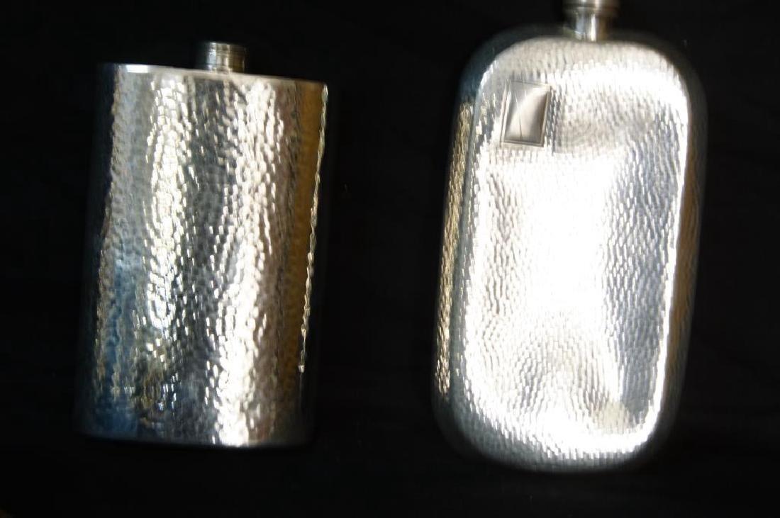 Hammered English pewter tea set and flasks - 4