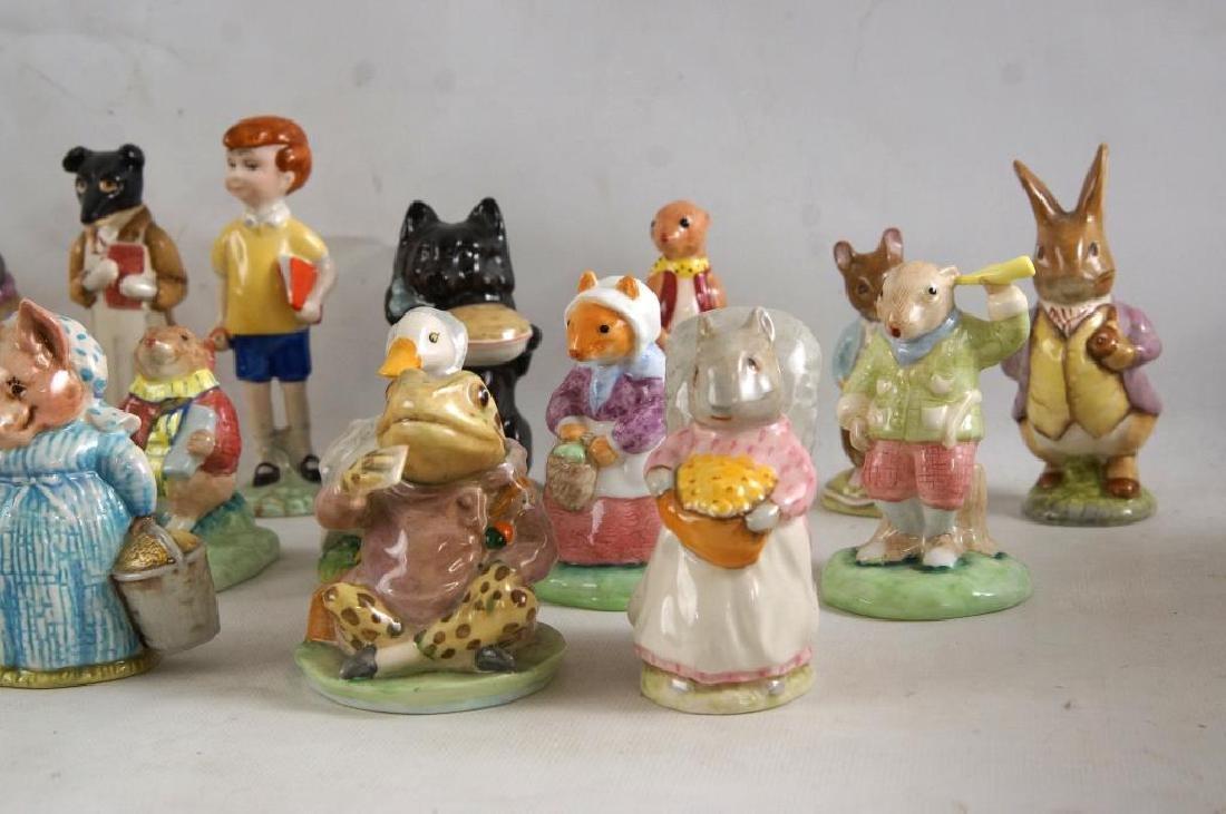 Approx 28 Beatrix Potter animals figurines - 2