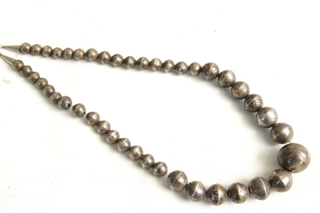 Santo Domingo Pueblo beaded & Silver necklaces - 4