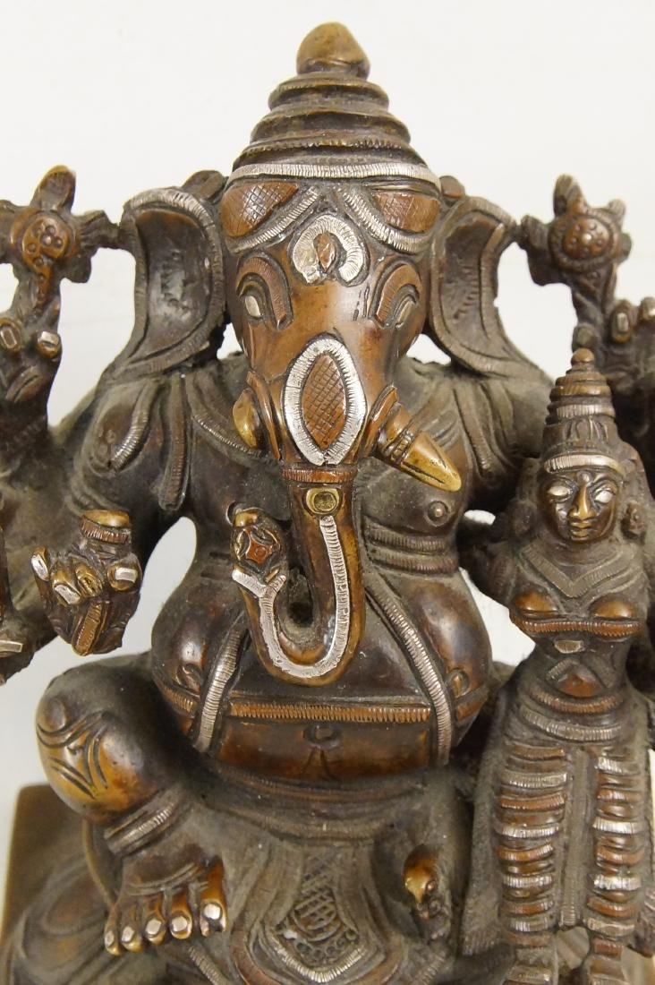 A Rare Indian Bronze Ganesh with Siddhi - 4