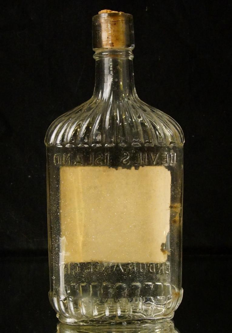 Devils' Island 1890 gin Bottle - 6