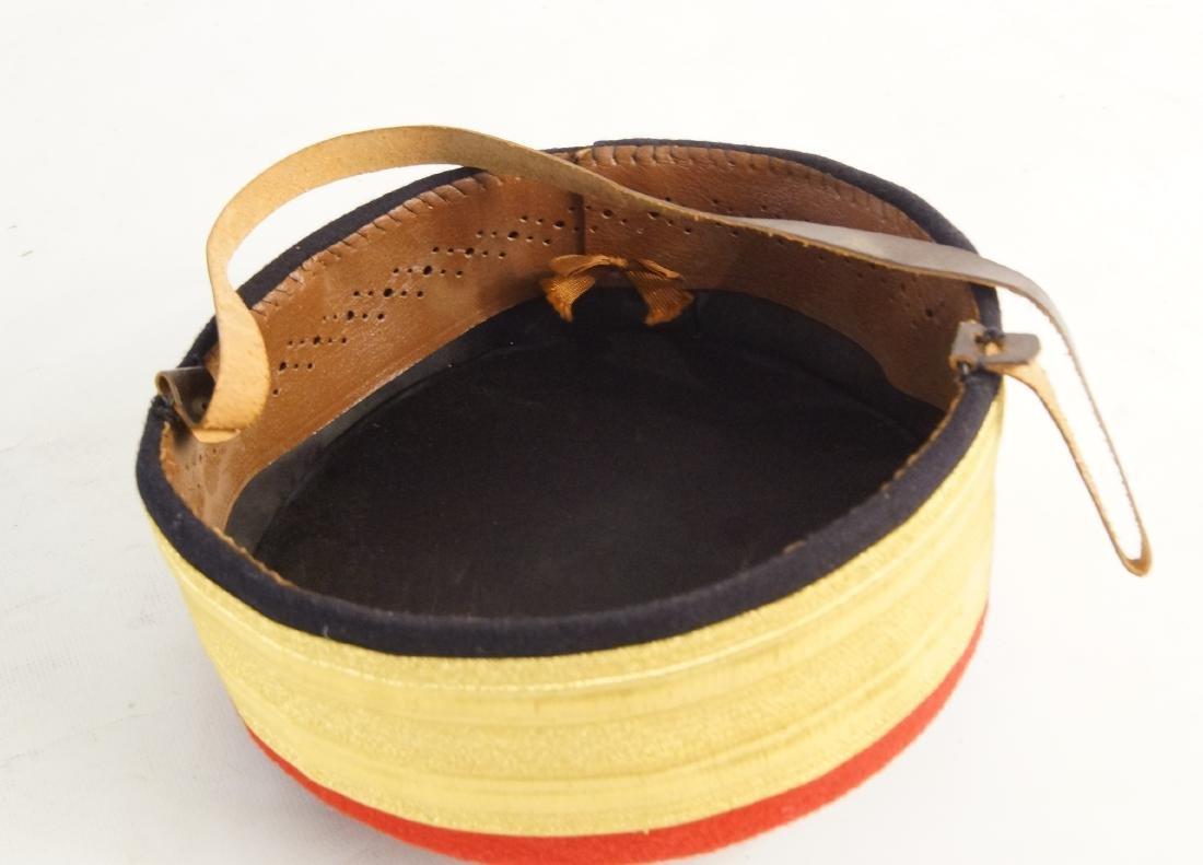 Fancy felt gold round hat -- hat case - 2