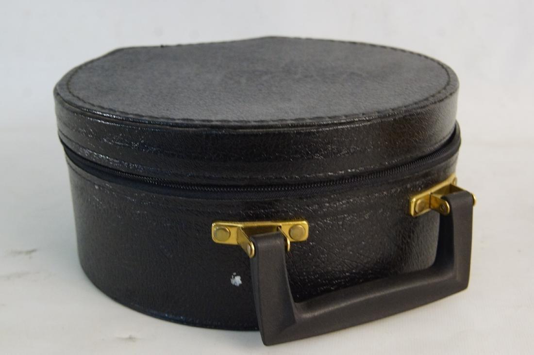 Fancy felt gold round hat -- hat case - 4