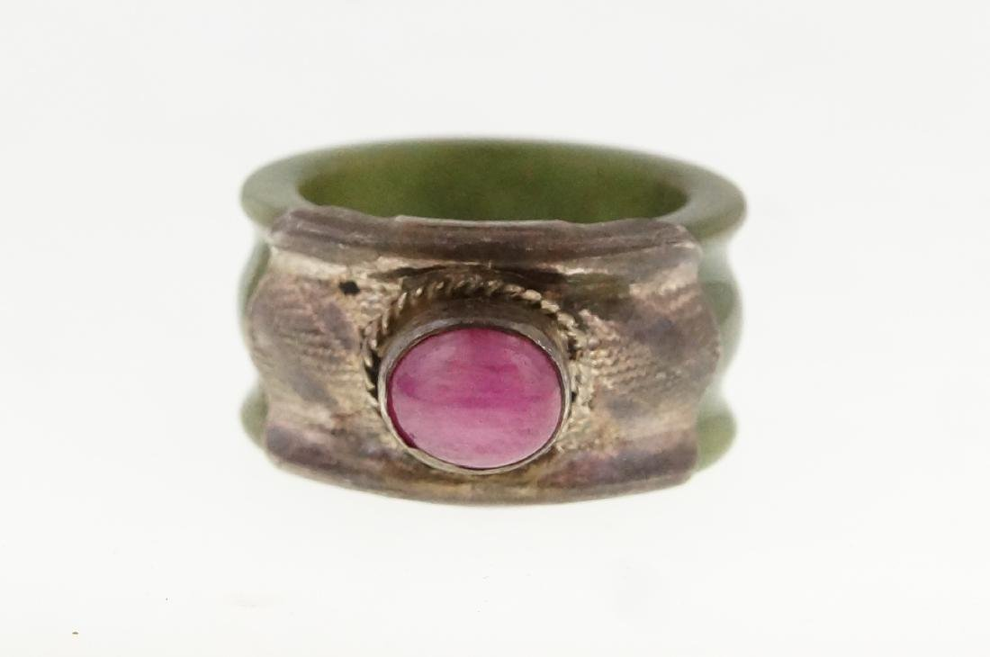 19th cent. Burmese jade ring w pink ruby