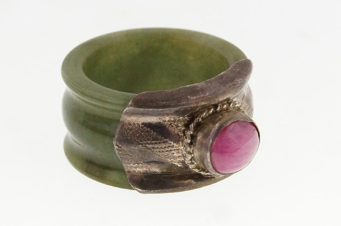 19th cent. Burmese jade ring w pink ruby - 2