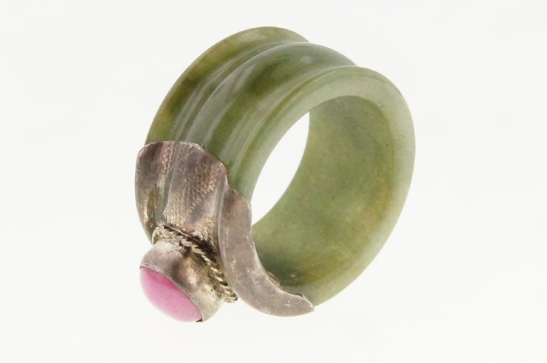 19th cent. Burmese jade ring w pink ruby - 4