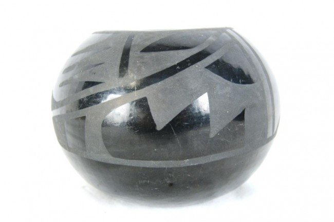 "7: San Ildefonso black ware bowl 3.5"" x 3w Provenance:"