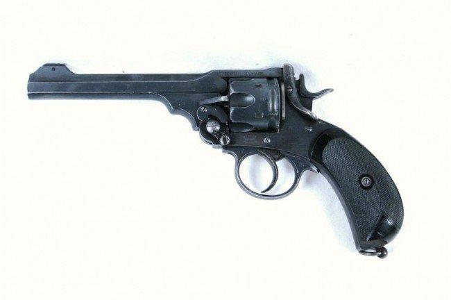 15: English Webley Mark VI revolver .455 ca Ser#100185