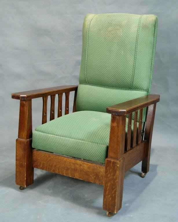 "16: Am oak ""Mission"" Morris chair"