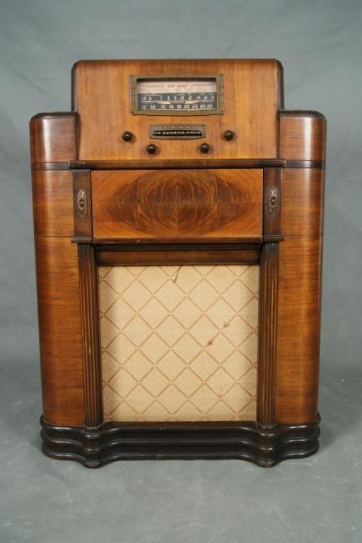 """16: Rare Firestone """"Air Chief"""" 30's floor model radio T"""